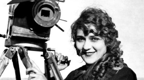 Vers un biopic de la cinéaste pionnière Alice Guy signé Pamela B. Green ?