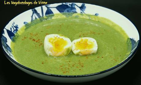 Potage petits pois-épinards-menthe-amandes, œufs mollets