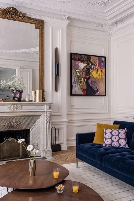 comment aménager appartement paris haussmann salon traditionnel moulure cheminée marbre
