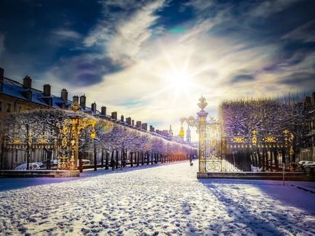 Place de la Carrière sous la neige © French Moments