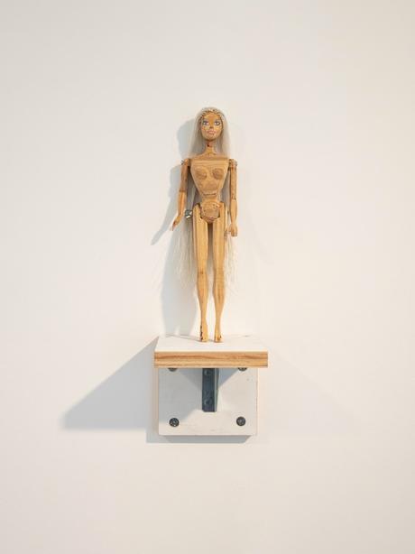 Tom Sachs ouvre une nouvelle exposition à Paris