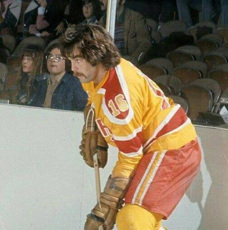 Derek Sanderson, joueur d'hockey et playboy