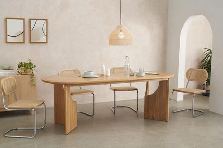 table ronde bois pieds massifs