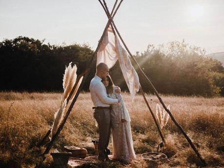 Dans la ville de porte les valence découvrez un duo photo et video de mariage.