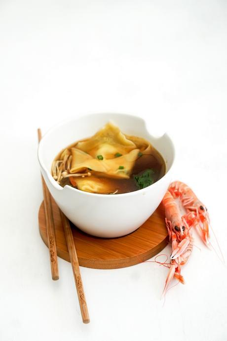 Soupe Wonton (raviolis chinois) aux langoustines