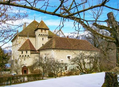 Le château D'Héré à Duingt [Wikimedia commons, Domaine public]
