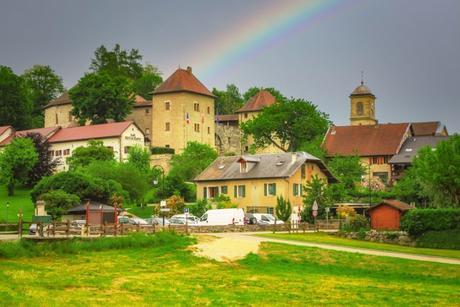 Le village de Clermont et son château © French Moments