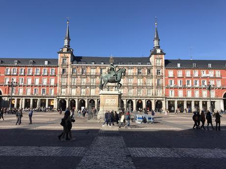 Mardi tourisme: la plaza Mayor, Madrid