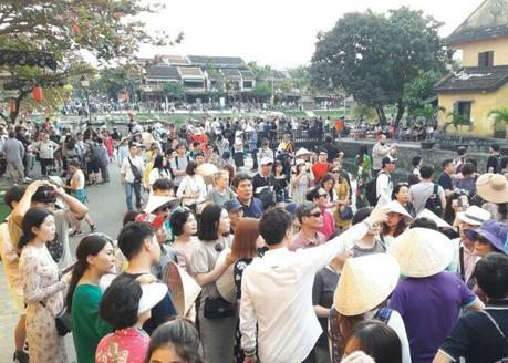 les fantassins à l'assaut de la vieille ville de Hoi An