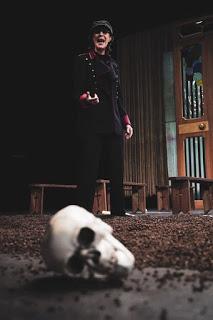 Hamlet de Shakespeare dans la traduction et la mise en scène de Gérard Watkins