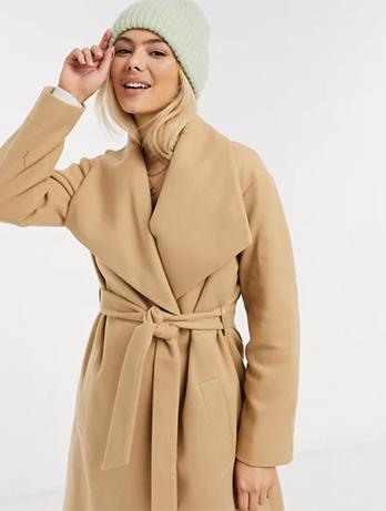 ICI TOUT COMMENCE : le manteau camel ceinturé d'Hortense