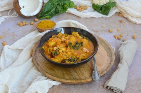 Curry de légumes (chou-fleur, pois chiches)