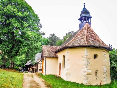 La chapelle et le hameau de Saint-Brice à Oltingue - licence [CC BY-SA 4.0] from Wikimedia Commons