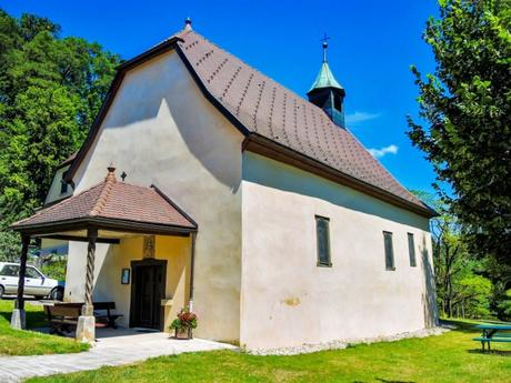 La chapelle de Hippoltskirch © Espirat - licence [CC BY-SA 4.0] from Wikimedia Commons