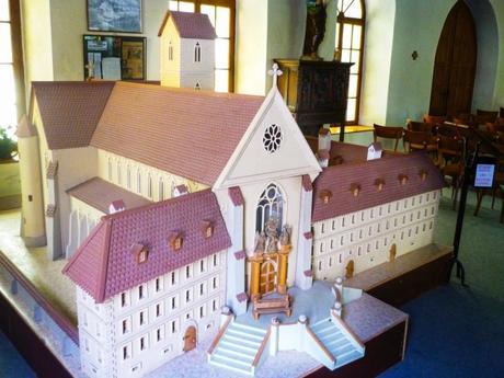 Maquette de l'abbaye de Lucelle © French Moments