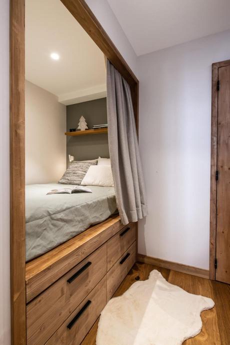 chambre couloir chalet petit appartement à Val d'Isère famille pied des pistes