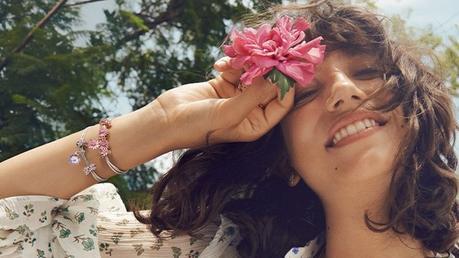 Nouvelle collection Pandora Garden : bijoux et charms fleuris