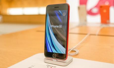 Un prochain iPhone SE compatible 5G en 2022