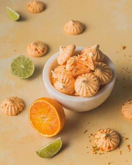 Meringues à l'orange et au citron vert