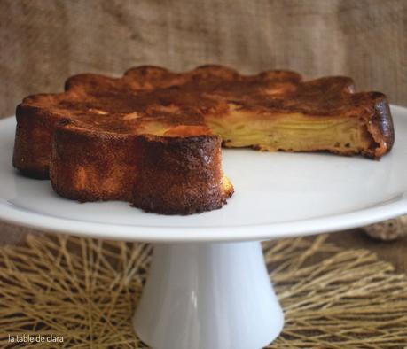 Gâteau invisible aux pommes et sa crème caramel au beurre salé