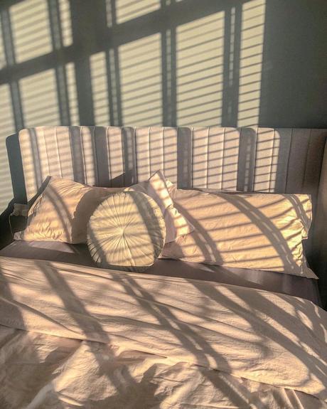 chambre soleil rose pastel soleil matin coussin rond velours