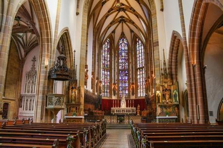 La nef de la Collégiale St Thiébaut à Thann © French Moments