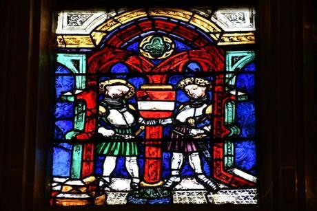 Vitraux du chœur de la collégiale © French Moments