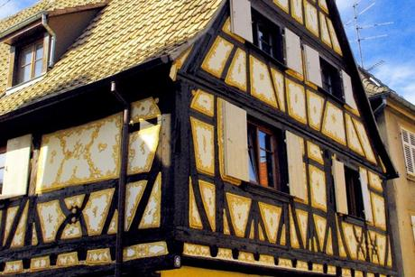 Torchis peint d'une maison de Dambach-la-Ville © French Moments