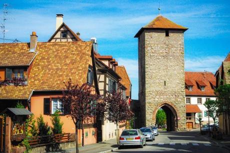 Porte fortifiée d'Ebersheim à Dambach-la-Ville © French Moments
