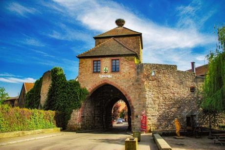 Porte fortifiée de Blienschwiller à Dambach-la-Ville © French Moments