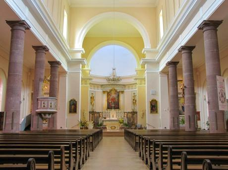 Nef de l'église Sainte-Anne © Ralph Hammann - licence [CC BY-SA 4.0] from Wikimedia Commons