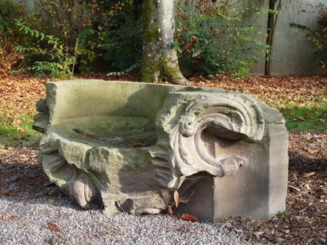 Un des vestiges du Grand Jardin du Chapitre © Ji-Elle - licence [CC BY-SA 3.0] from Wikimedia Commons