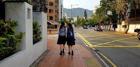 25 mars – Les écoliers en uniformes