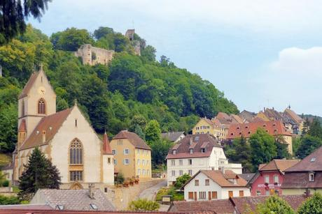 Villages d'Alsace - Ferrette © French Moments