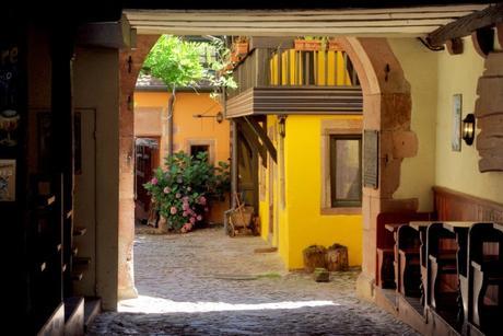 Villages d'Alsace - Riquewihr © French Moments