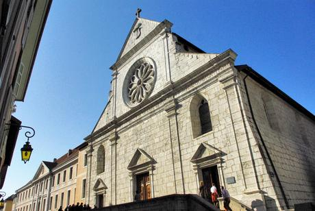 Visiter Annecy : la Cathédrale © French Moments
