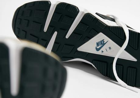 """La Nike Air Huarache """"Escape"""" revient pour la première fois"""