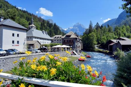 Le village de Sixt Fer à Cheval en Haute-Savoie © French Moments