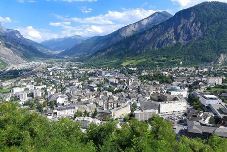 Saint-Jean-de-Maurienne © Florian Pépellin - licence [CC BY-SA 4.0] from Wikimedia Commons