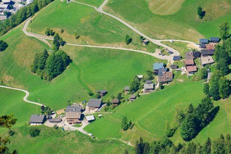 Le village de Boudin vu de la Roche Parstire © French Moments