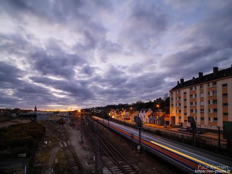 départ d'un TGV à l'#aube à #Quimper #Bretagne #Finistère