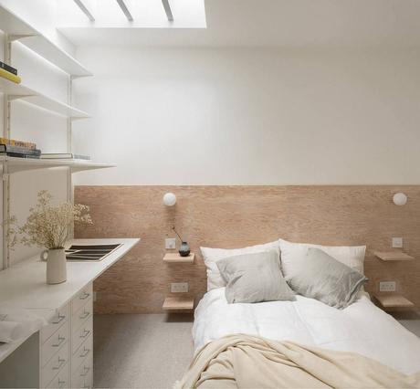 chambre tête de lit panneau bois minimaliste épurée