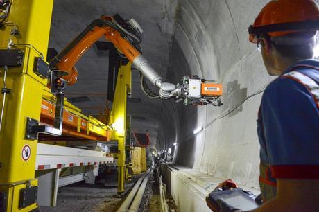 un robot dans un tunnel