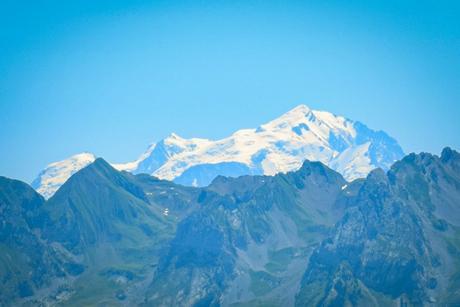 Vue sur le mont Blanc de l'alpage des Auges © French Moments