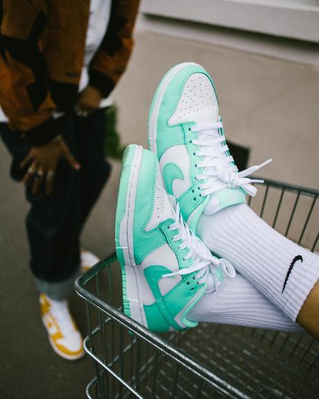 Trois Nike Dunk WMNS sortent demain