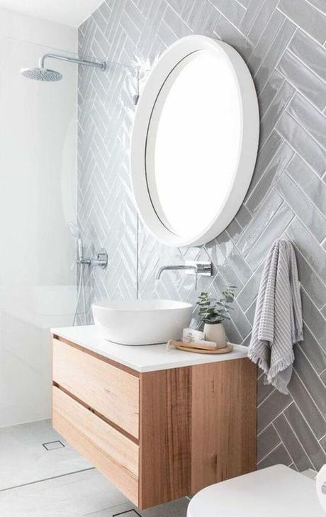 salle de bain grise meuble bois lavabo gris déco épurée lumineuse