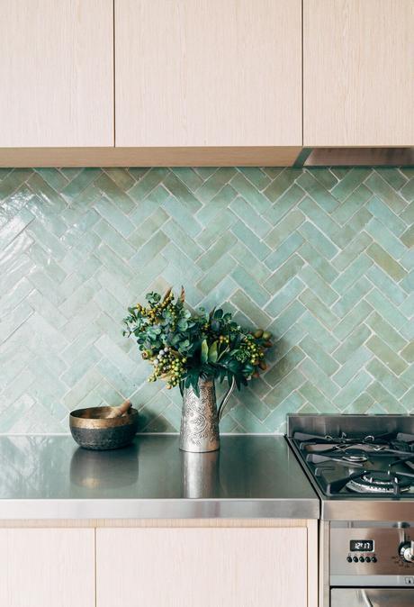 cuisine nuance vert meuble bois idée déco intérieure