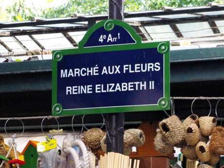 Au marché aux fleurs Reine Elizabeth II, Paris © French Moments