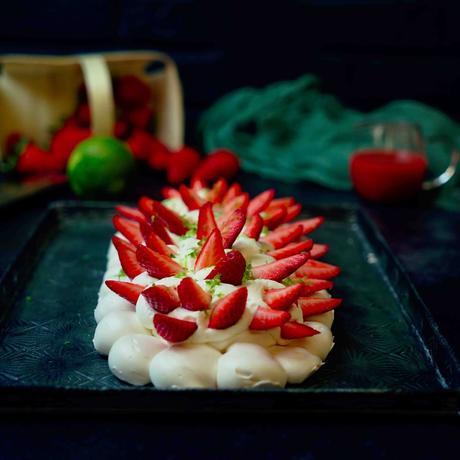 pavlova , meringue croustillante