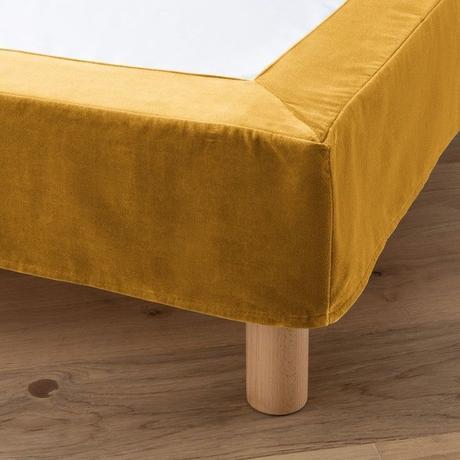 cache sommier velours déco jaune moutarde chambre